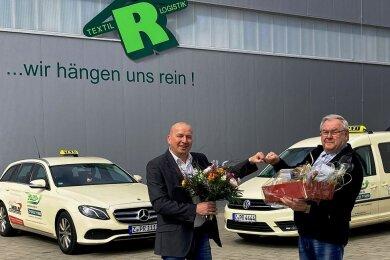 Peter Rößel (links) übernimmt den Taxibetrieb von Christoph Pfeil.