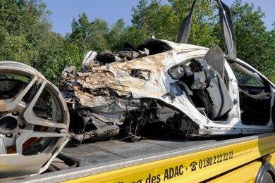 Die Ermittlungen zu dem tödlichen Unfall mit einem Mercedes am 16. August 2020 auf der A 4 laufen noch.