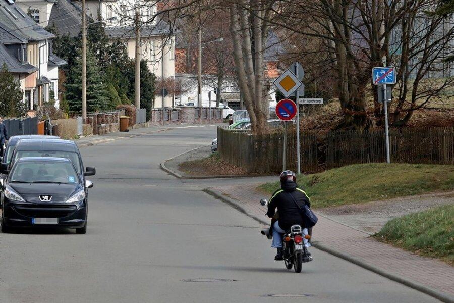 Michelner Straße: Hier soll es im Oktober 2018 zu einer sexuellen Nötigung eines Jugendlichen gekommen sein.