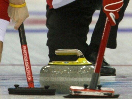 Die deutschen Curling-Damen verlieren gegen Kanada