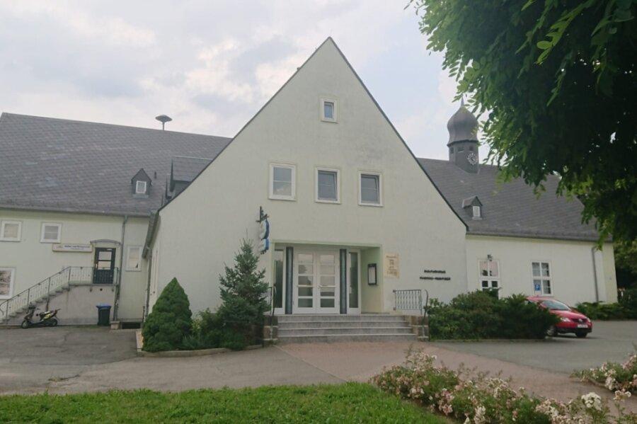 Hat sich zum Sorgenkind im Elsterberger Ortsteil Coschütz entwickelt: das Kulturhaus.