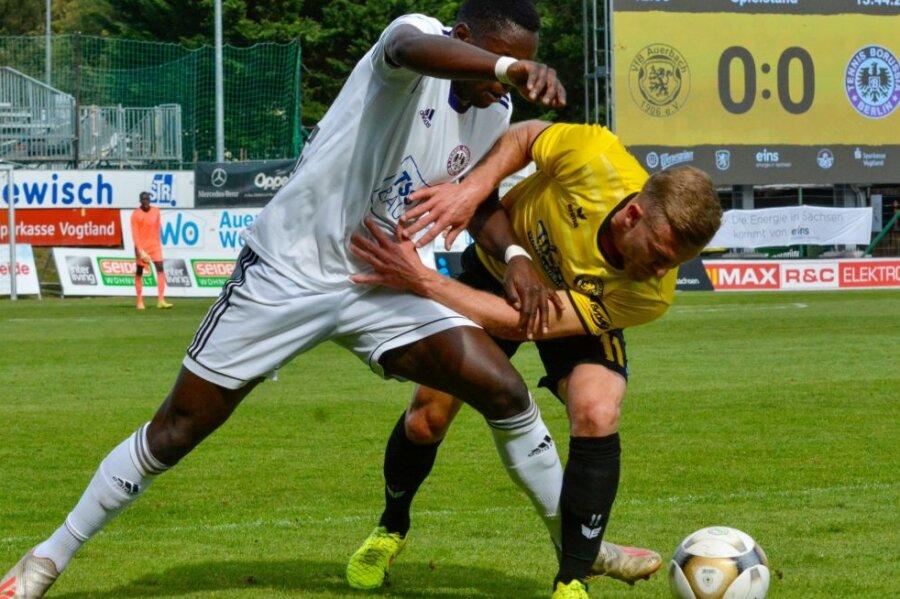 Der VfB Auerbach hat sich in der Fußball-Regionalliga wortwörtlich in letzter Sekunde einen Punkt gerettet.