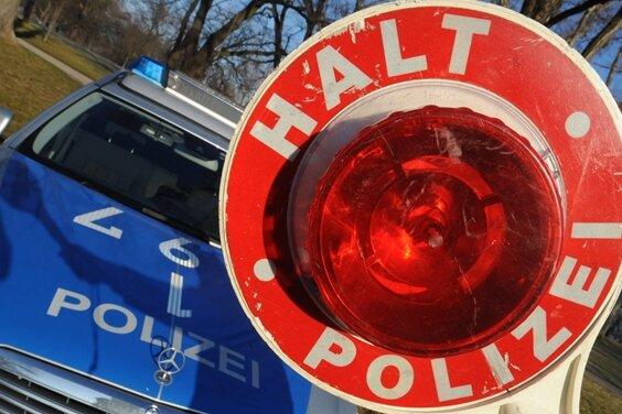Verfolgungsjagd mit Polizei - fünf Anzeigen gegen 20-Jährige