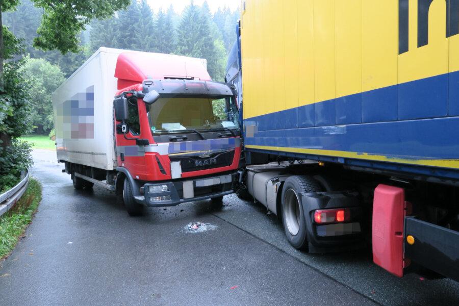 Hoher Sachschaden bei Laster-Unfall in Stützengrün
