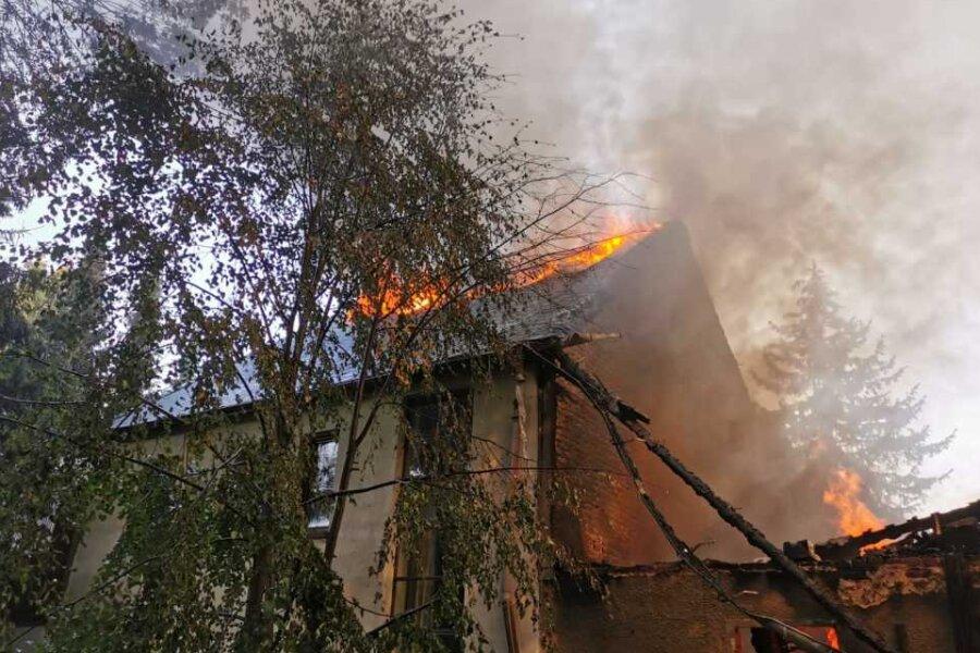 Ein Dreiseitenhof im Amtsberger Ortsteil Weißbach brannte am gestrigen Mittwochnachmittag vollständig nieder.