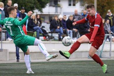 Für Björn Trinks (rechts) ist Fußball nur noch ein Hobby, dem er beim Meeraner SV nachgeht.