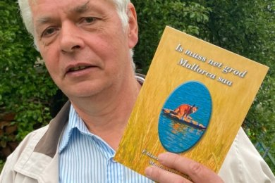 Der Autor Manfred Zill aus Willitzgrün hat - passend zum Sommer und der Urlaubszeit - ein neues Mundartbuch vorgelegt.