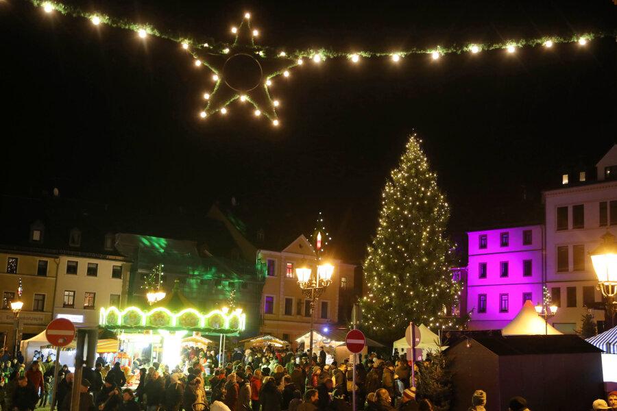 Weihnachtsmarkt lockt rund 10.000 Besucher
