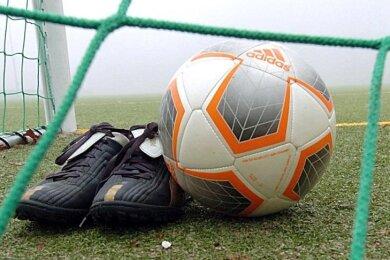 Das für Mittwochabend angesetzte Nachholspiel der 3. Fußball-Liga zwischen dem 1. FC Saarbrücken und dem FSV Zwickau ist kurzfristig abgesagt worden.