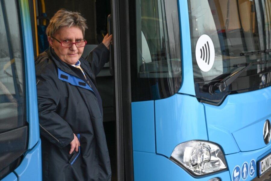 Sylvia Kuntze gehört zu den Fahrerinnen und Fahrern der CVAG, die dafür sorgen, dass Busse und Straßenbahnen auch in der Zeit des Lockdowns Fahrgäste befördern.