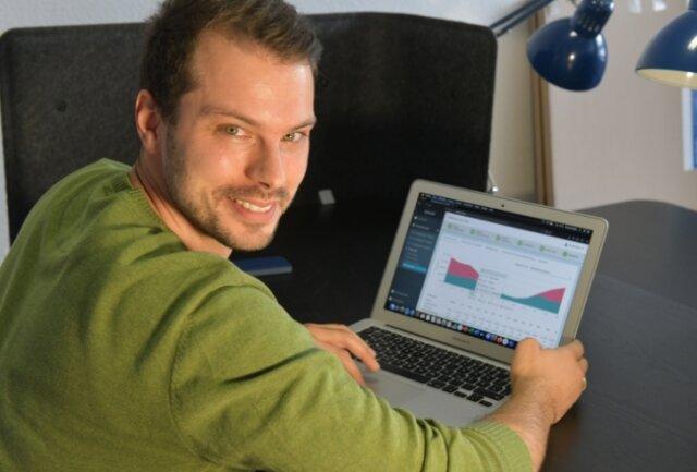 Konrad Uebel hat 2016 seine Firma Freiberg Institut für vernetzte energieautarke Quartiere gegründet. Eine Software des Unternehmens hilft Kunden. die optimale Wärmeversorgung zu finden.