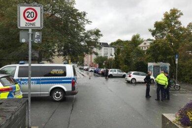 Polizisten beim Einsatz in der Melanchthonstraße.
