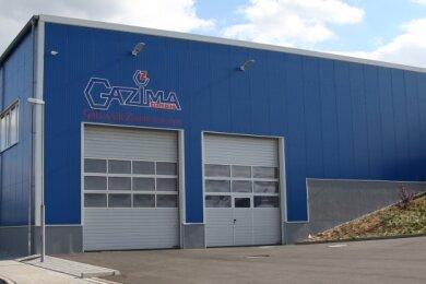 Dank der großen Tore können selbst Laster in die neue Halle der Firma Gazima im Grünhainer Gewerbegebiet fahren. Gerade im Winter ist dies ein entscheidender Vorteil beim Be- und Entladen.