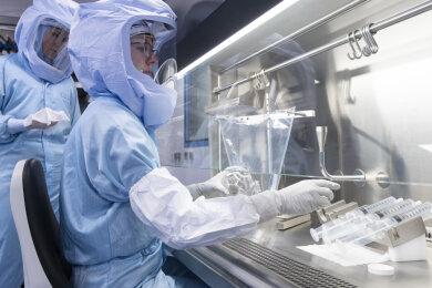 Simulation der Arbeitsschritte bei der Herstellung von Corona-Impfstoff