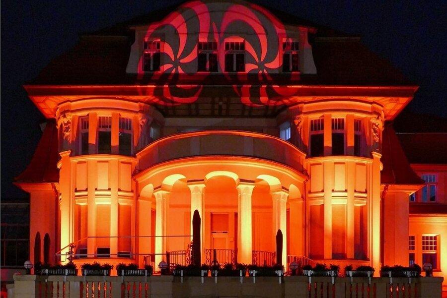 Weil sie von kultureller Bedeutung und architektonisch reizvoll ist, setzte Matthias Uhlig die Marienberger Baldauf-Villa in Szene.