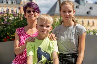 Clemens Päßler mit seiner Schwester Sophie und Mutter Mandy Graupner. Die vergangenen Monate waren für alle sehr anstrengend.