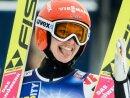 Grund zur Freude: Katharina Althaus gewinnt Silber