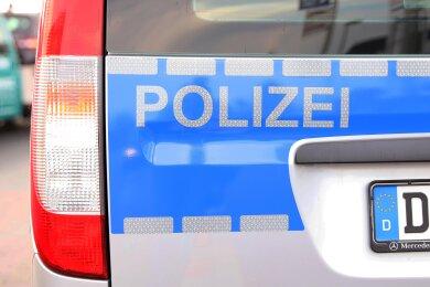 Schwer verletzt worden ist am Dienstag eine Frau (59) bei einem Autounfall auf der B 283 bei Wohlhausen.