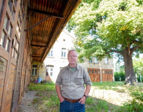 Einer von Gerd Naumanns Lieblingsorten in Plauen: die frühere Schnorrsche Fabrik an der Hofwiesenstraße. Die Linde im Hof stammt aus dem Jahr 1857.