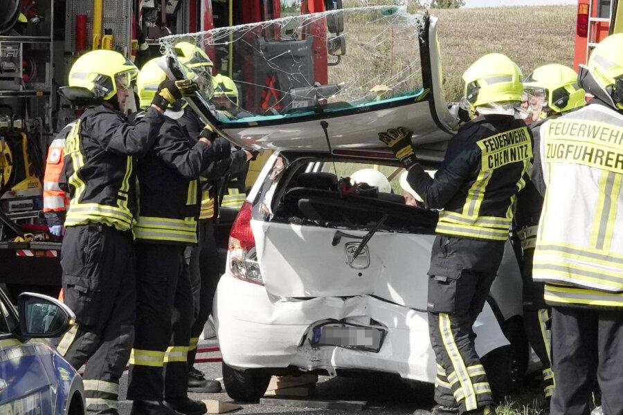 Drei Verletzte bei Unfall auf B169