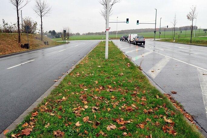 Der vierspurig ausgebaute Südring endet derzeit an der Augustusburger Straße.