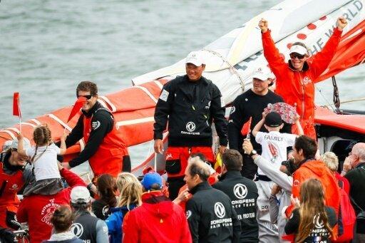 Das Segelteam Dongfeng feiert seinen Triumph