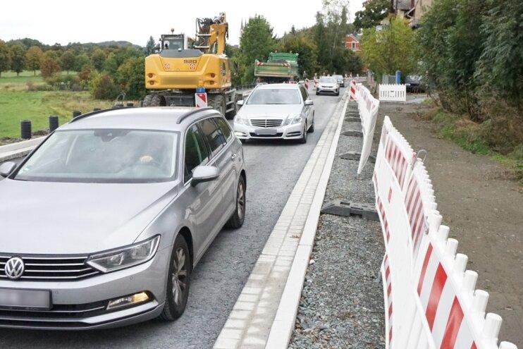 Bundesstraße in Oelsnitz einspurig offen