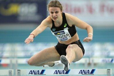 Bei den Deutschen Hallen-Leichtathletikmeisterschaften in Leipzig ist die Mittweidaer Hürdensprinterin Anne Weigold im vergangenen Jahr Fünfte geworden. Damals trat sie grippegeschwächt an. Am Samstag geht es für sie in Dortmund wieder um eine DM-Medaille.