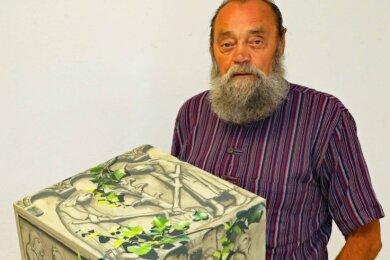 Jürgen Szajny hat für die Kunstaktion von Matthias Scheibner die erste Arbeit abgeliefert.