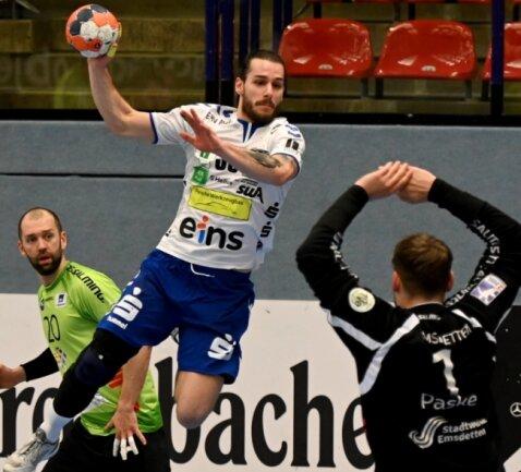 Der einzige Lichtblick auf Auer Seite beim bitteren 28:35 in Emsdetten: Sebastian Paraschiv, der acht Tore erzielte.