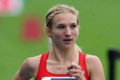 Vielseitig: Kristina Hendel fühlt sich, wie hier bei den Deutschen Meisterschaften, auch auf der Bahn zu Hause.