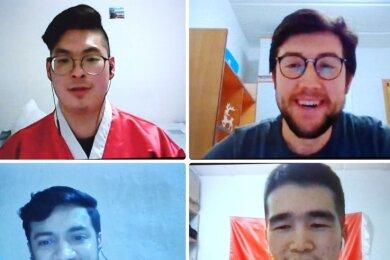 Daekun Cho aus Südkorea, Ahmet Coskun aus der Türkei, Paras Suthar aus Indien und Erkebek Abdrakhman aus Kirgistan (von links oben nach rechts unten) erzählen von Gebräuchen in ihrer Heimat.
