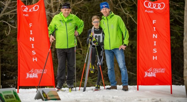 Sie absolvierten den 60. Steinkuppenlauf der SG Holzhau zumindest symbolisch: Senior Peter Winter, Sohn Veikko und Enkel Hugo.