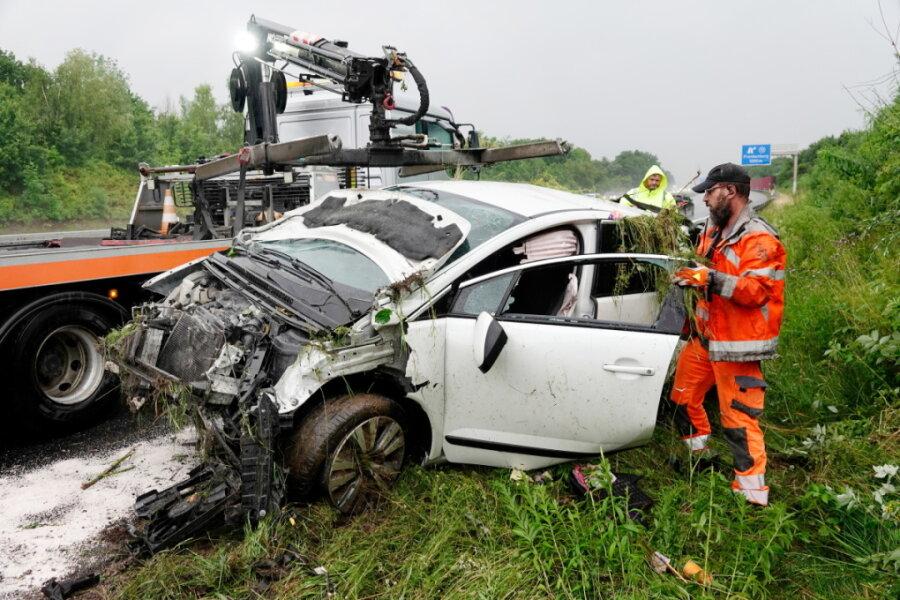 Drei Verletzte bei Unfällen auf A 4 bei Frankenberg