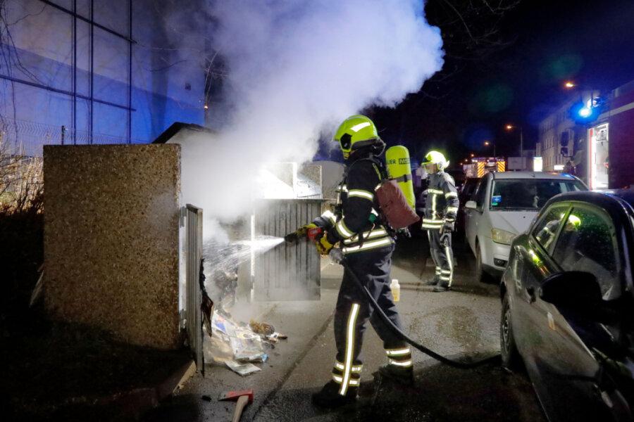 Mülltonnen brennen im Stadtteil Sonnenberg