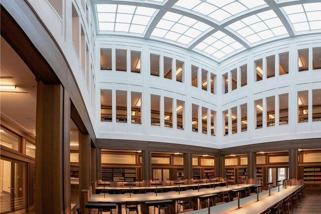 Immer noch im Lockdown: Der Lesesaal der neuen Universitätsbibliothek in der Alten Aktienspinnerei.