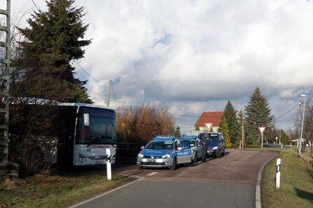Busfahrer in Mobendorf überfallen und ausgeraubt
