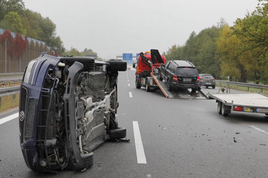 Ein Unfall hat sich am Dienstag gegen 12.45 Uhr auf der A 72 bei Chemnitz ereignet.