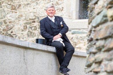 Uwe Rödel repräsentiert die moderne Freimaurerei in Plauen. Er belebte 2005 die Loge wieder mit.