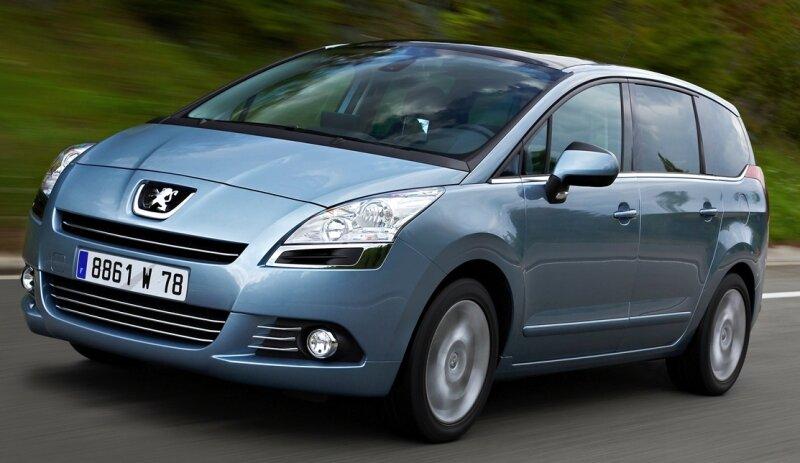 Seit Oktober auf dem Markt: der Kompakt-Van Peugeot 5008, ein Lademeister, der auch das Surf-Brett mit an Bord nehmen kann.