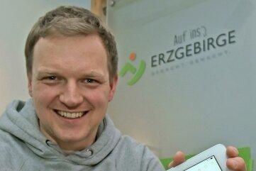 Daniel Schalling ist dem Erzgebirge eng verbunden. In seiner Tätigkeit als PR- und Marketingexperte beim Regionalmanagement Erzgebirge spielt auch die Mundart eine Rolle.