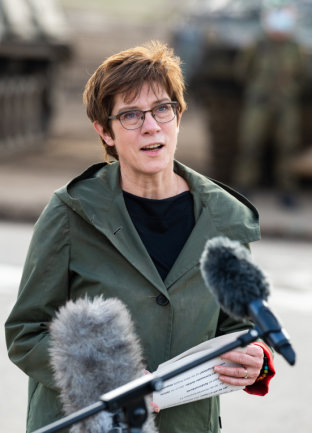 Annegret Kramp-Karrenbauer - Ministerin der Verteidigung