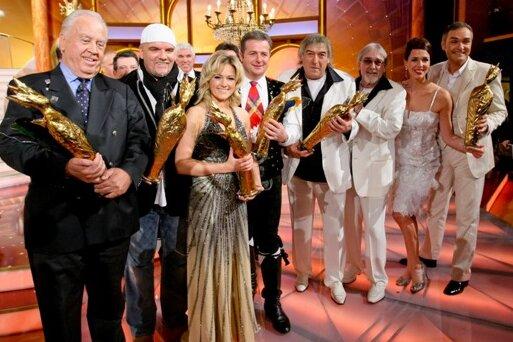 """Die Stars aus der Szene der Volksmusik und volkstümlichen Musik erhielten in der Stadthalle die """"Krone"""" überreicht, so wie hier im Jahr 2009. Doch das Genre hat seine besten Zeiten offenbar hinter sich."""
