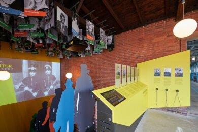 Eines der Herzstücke der neuen Ausstellung und noch längst nicht zu Ende erzählt: die Kumpelgalerie im Bergbaumuseum Oelsnitz.