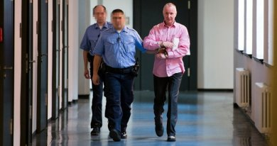 In bislang 20 Prozesstagen versuchte das Schwurgericht am Dresdner Landgericht herauszufinden, ob Detlev G. (rechts) einen Mann ermordet hat. Morgen soll das Urteil gegen den ehemaligen LKA-Mitarbeiter fallen.