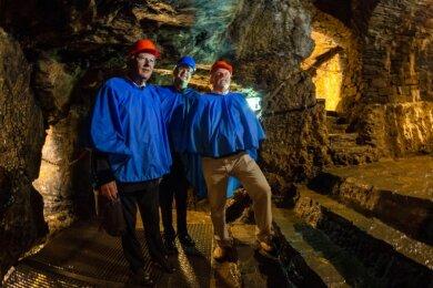 """Kennen das Silberbergwerk """"Im Gößner"""", das seit 25 Jahren Besucherbergwerk ist, besser als alle anderen: Geotechniker Günter Meier, der derzeitige Museumsleiter Wolfgang Blaschke und der damalige Museumsleiter Jörg Nicklaus (von links)."""