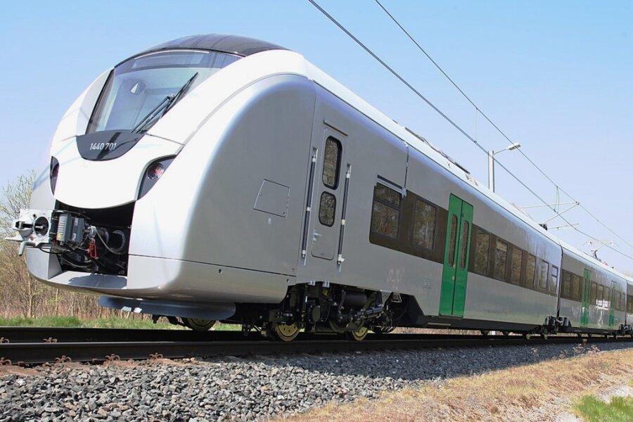 So sehen die neuen Züge aus - die Batterien auf dem Dach fehlen hier noch. Nach der Elektrifizierung der Strecke können die Züge weiter genutzt werden - sie verfügen über Stromabnehmer.