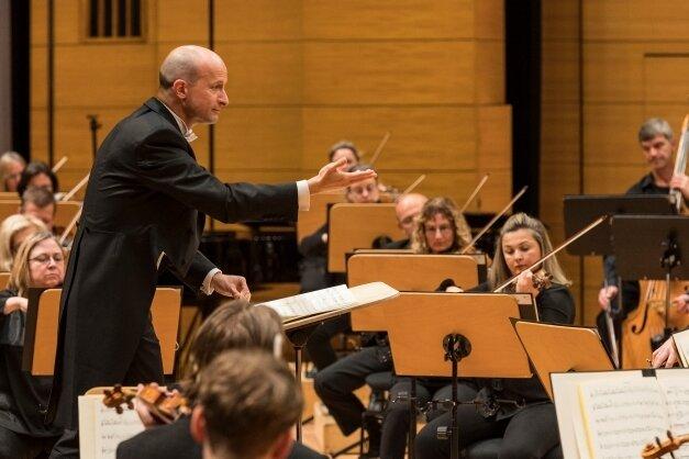 Eine Frederick Delius gewidmete CD hat die Philharmonie unter Leitung von GMD Guillermo García Calvo aufgenommen.
