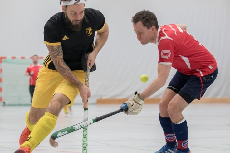 Robert Kalke (l.) stieg mit dem FHTC im vergangenen Jahr in die Hallen-Oberliga auf. Beweisen konnte sich das Team dort allerdings aufgrund der Corona-Pandemie nicht.