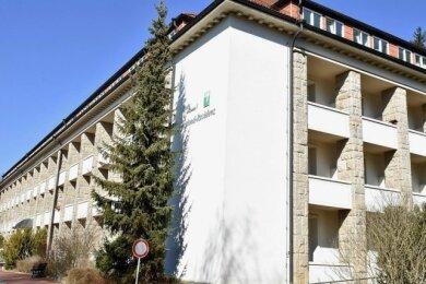 Bedrückende Szenen haben sich nach den Worten von Gemeinderätin Kathrin Stübiger (CDU) in der Vogtland-Residenz abgespielt, als bekannt wurde, dass das Pflegeheim in Bad Brambach zum 31. Mai von Amts wegen geschlossen wird.